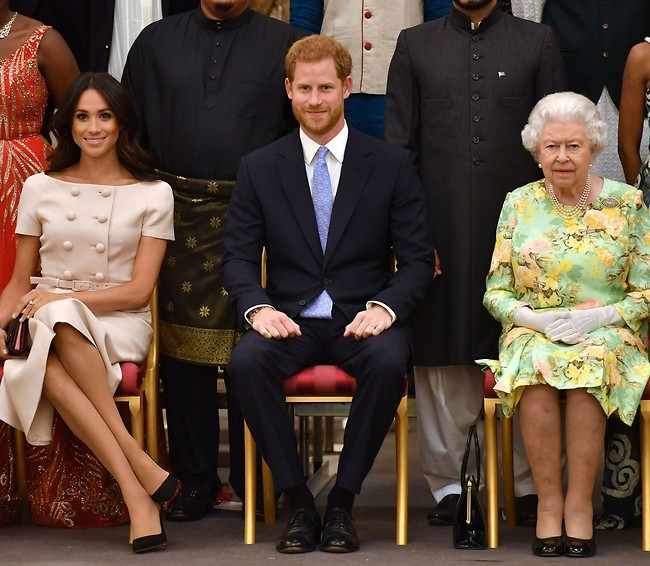 ברוגז?הנסיך הארי, מייגן מרקל והמלכה אליזבת (צילום: Gettyimages)
