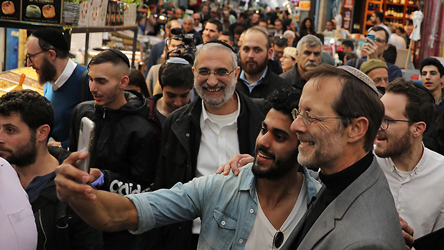 Moshe Feiglin on the campaign trail (Photo: Reuters)