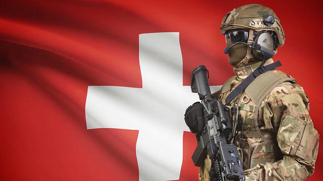 אילוס אילוסטרציה נשק חייל שווייץ (צילום: shutterstock)