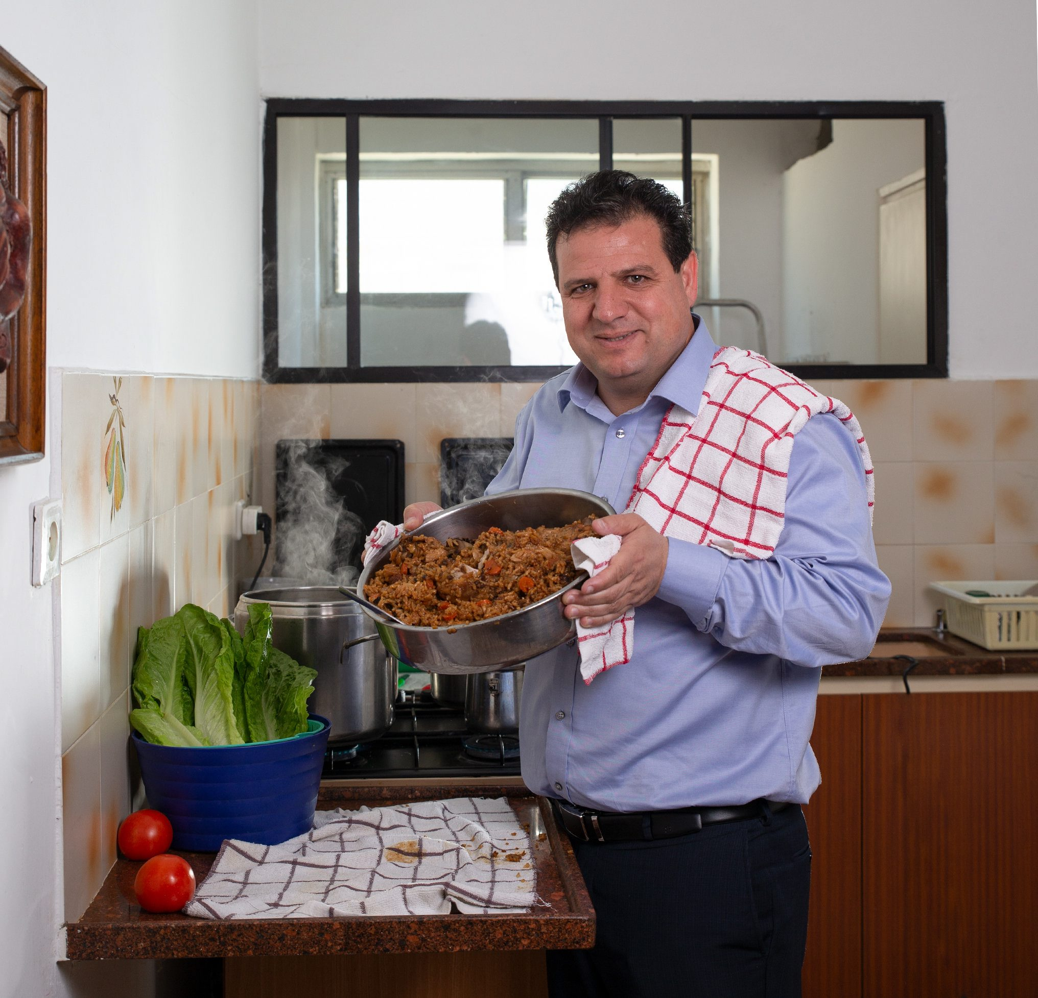 ראשי המפלגות במטבח הביתי (צילום: אביגיל עוזי)