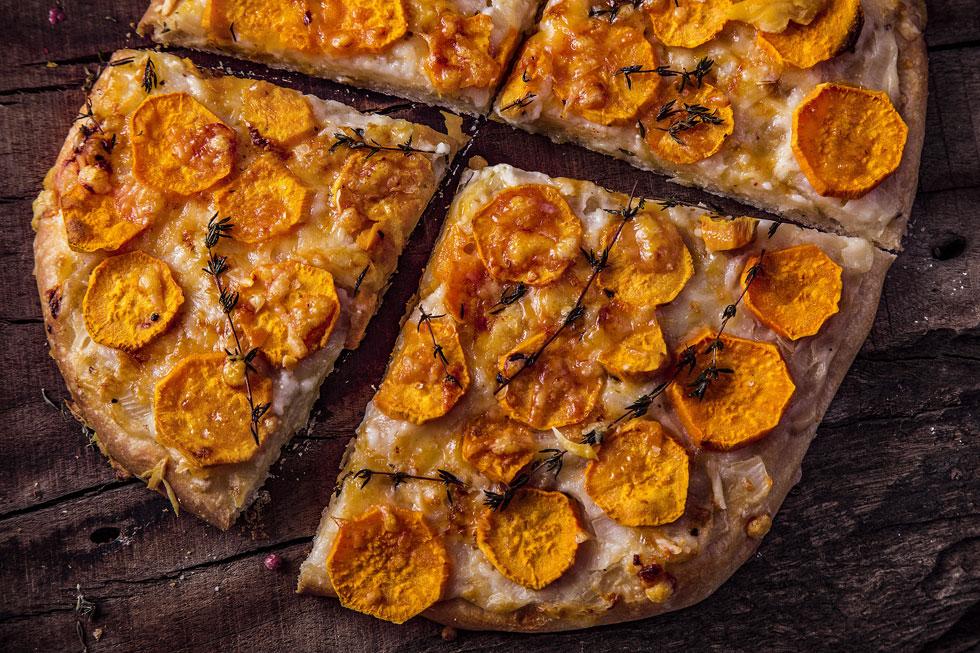 פיצה ביאנקה עם בטטות