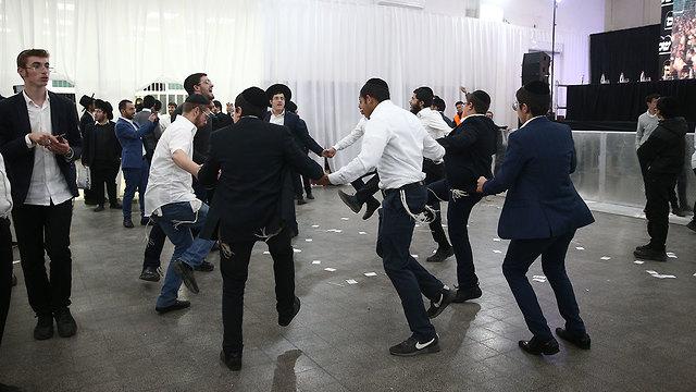 Shas Party members celebrating (Photo: Ohad Zwigenberg)