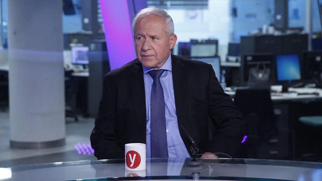 אבי דיכטר באולפן ynet (צילום: מוטי קמחי)