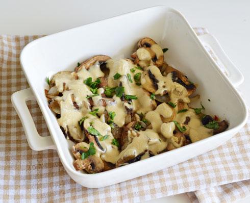 פטריות בתנור עם טחינה (צילום: אפרת סיאצ'י)