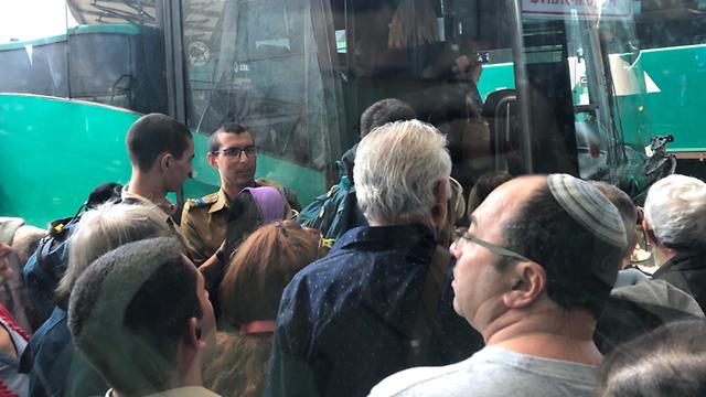עומסים באוטובוסים בעקבות שביתה ארצית ברכבת  (צילום: הראל)