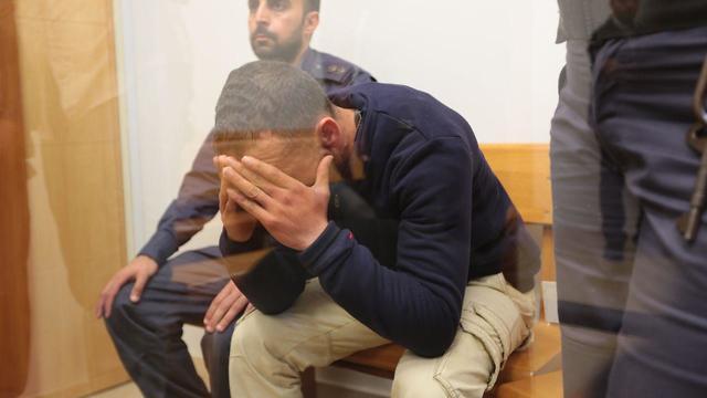 איברהים אבו כף, נהג האוטובוס בתאונת הדרכים בגיבוש צנחנים, בהארכת מעצר בשלום אשדוד (צילום: תומר שונם הלוי)