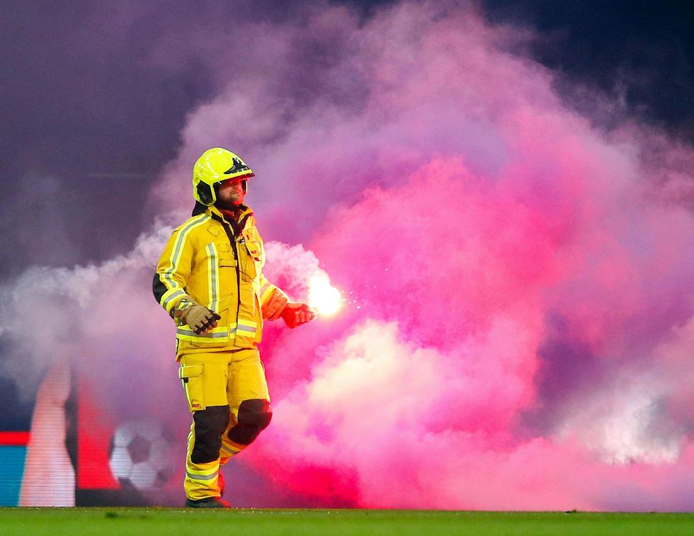 הבלגן במשחק (צילום: AFP)