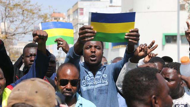 סודאנים מפגינים בדרום תל אביב (צילום: מוטי קמחי )