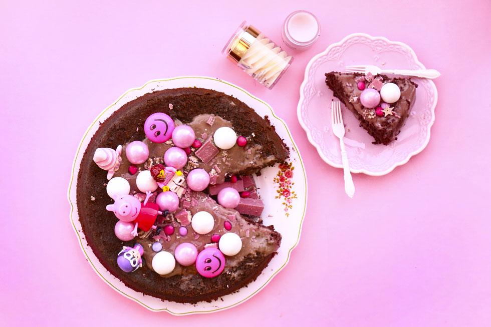 עוגת אילסרים (אגוזי לוז) עם עולש ושוקולד מריר ללא גלוטן (צילום: הודליה כצמן BakeCare)