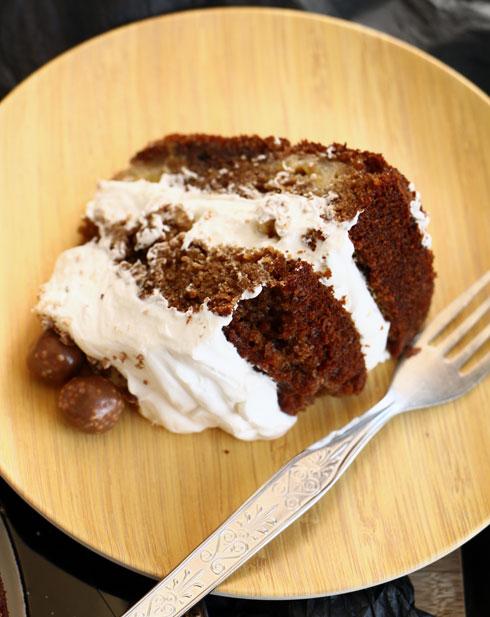 עוגת בוטנים ובננה (צילום: הודליה כצמן BakeCare)