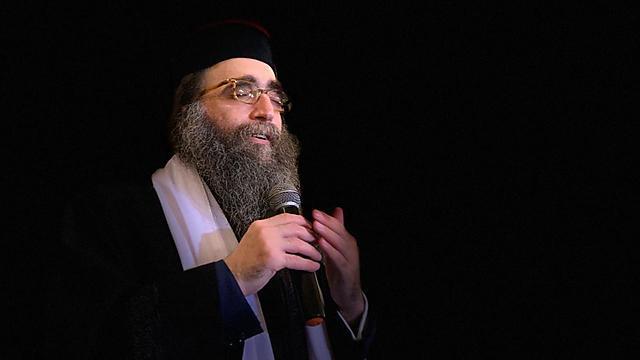הרב יאשיהו פינטו - בטקס ההכתרה במרוקו ()