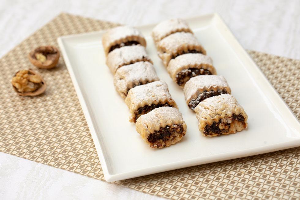 עוגיות מגולגלות במלית אגוזים עשירה (צילום: טל שחר, סגנון: ענת צרפתי)