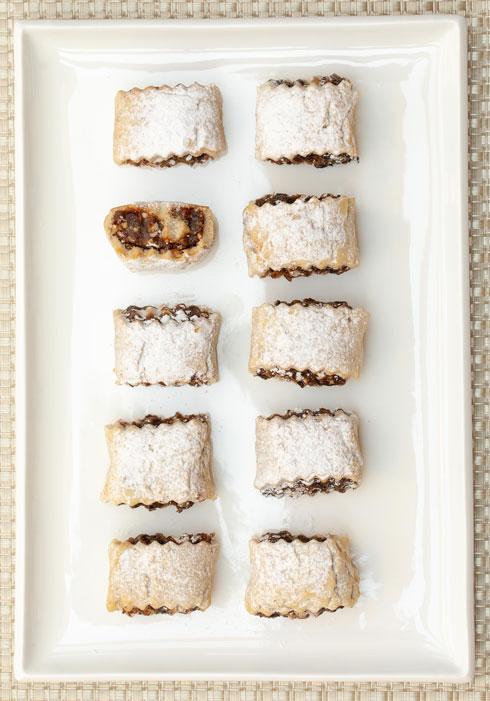 ויש גם גרסה מבצק שוקולד. עוגיות מגולגלות מבצק פריך לפסח (צילום: טל שחר, סגנון: ענת צרפתי)
