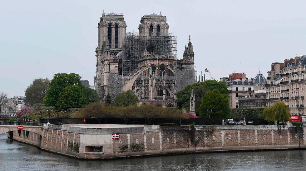 Вид на собор с Сены. Фото: AFP