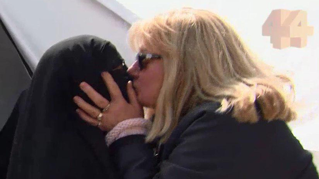 Karen Nettleton reunites with her granddaughter  (Screenshot: ABC)
