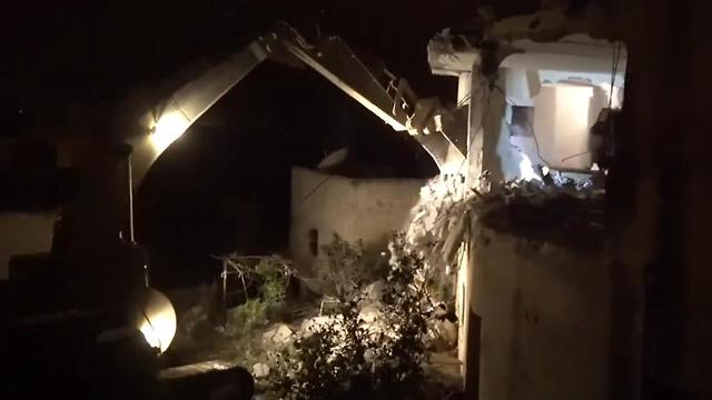 Demolishing the terrorist's home (Photo: IDF Spokesperson's Unit)