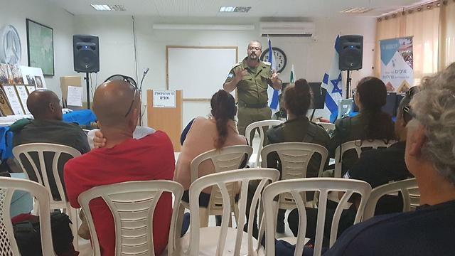 На встрече с бригадным генералом Акрамом Мансуром