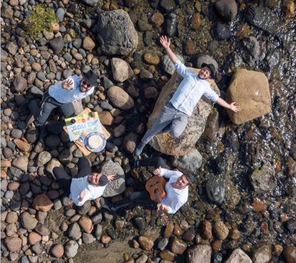 הכנות לפסח בנקודה הדרומית ביותר בעולם- ברילוצ'ה, ארגנטינה (צילום:  דובי נאבול, שלמה נאבול ושמוליק זוהר)