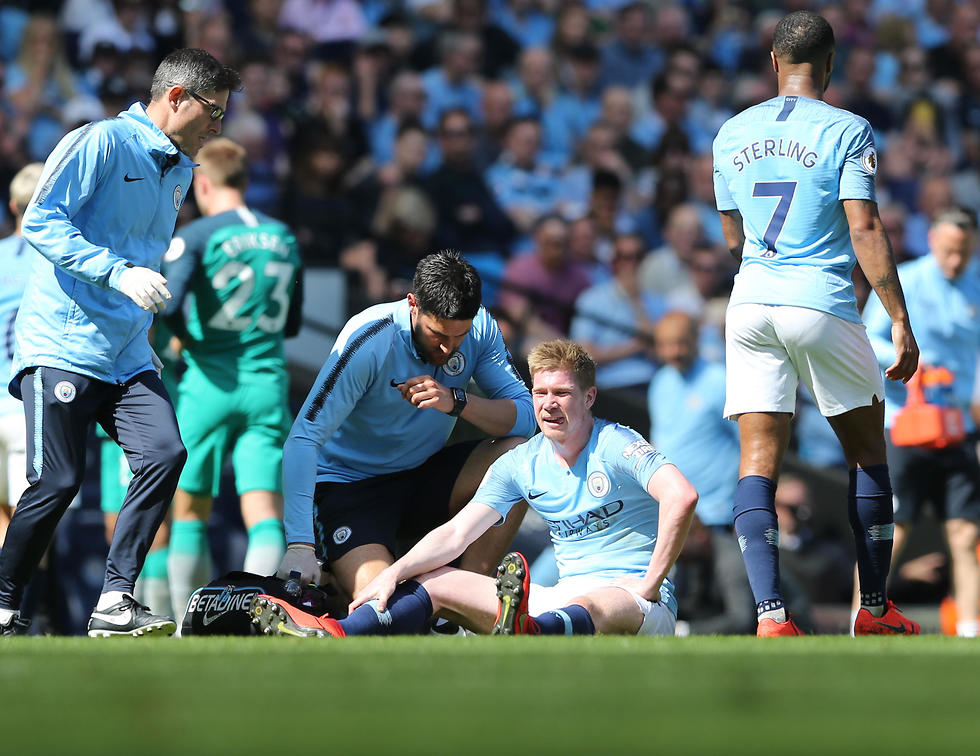דה בריינה נפצע (צילום: EPA)
