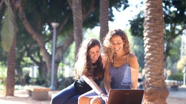 קבוצות נשים ברשתות נועה אוחיון דנה פאר (צילום: פרטי)