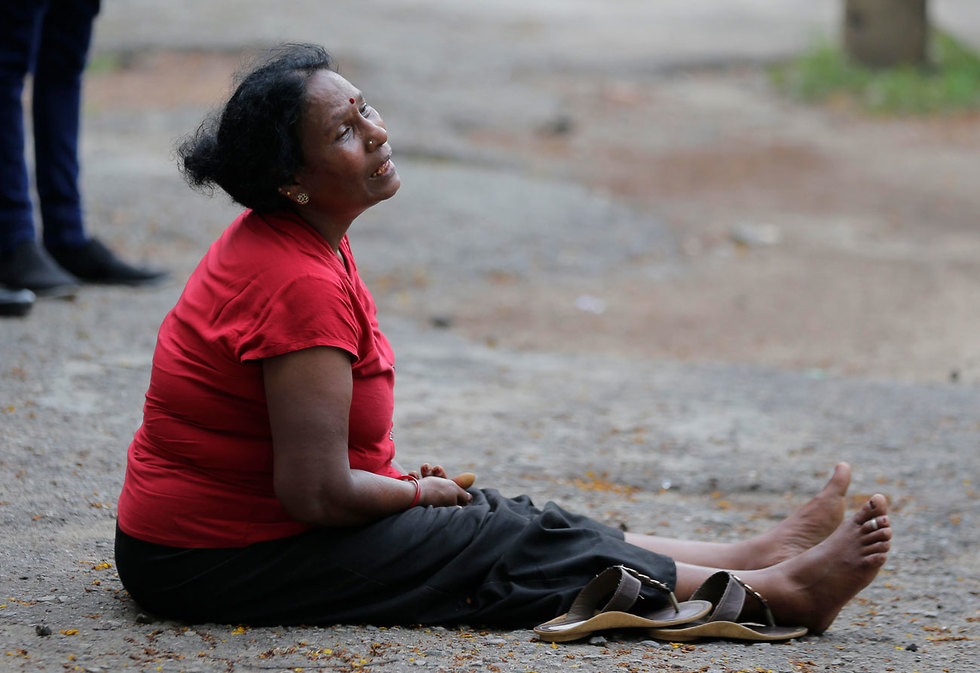 A relative of a victim of the Sri Lanka attacks cries at a hospital in the wake of the blasts (Photo: AP)