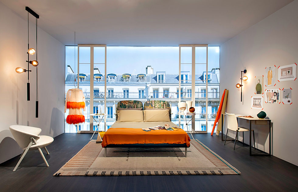 כיסא חדש של קונסטס גיסה, ו-Florin, המיטה של Roberto Lazzeroni מהשנה שעברה - בביתן של זנוטה
