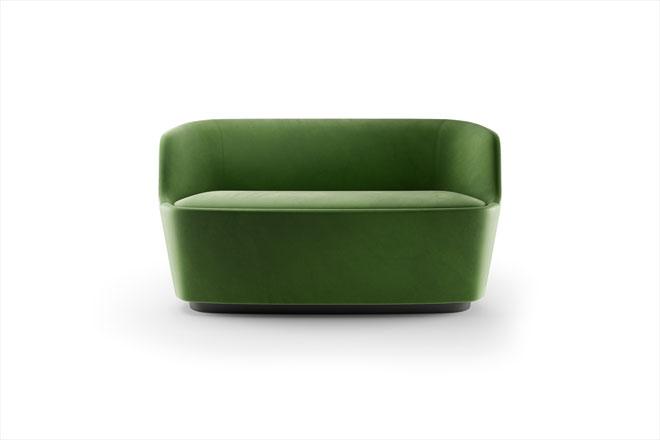 """Orla, גרסת שני המושבים לספה שעיצב ג'ספר מוריסון ל""""קפליני"""" לפני חמש שנים"""