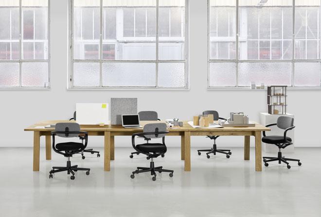 שולחן רגלי החמור, שעיצב האדריכל הבריטי דיוויד צ'יפרפילד ל-e15, מתרחב כעת למערכת רהיטי משרד מודולרית