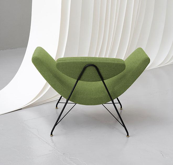 Tacchini הציגה את Reversivel, הכיסא האיקוני של האדריכל הווינאי Martin Eisler (צילום: Andrea Ferrari)