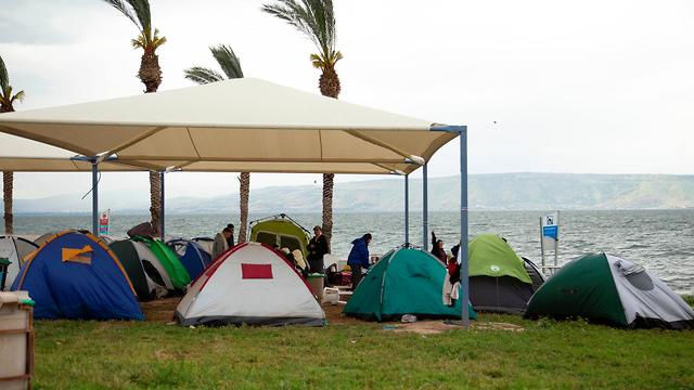 Tourists camping at the Sea of Galilee (Photo: Sea of Galilee officials)