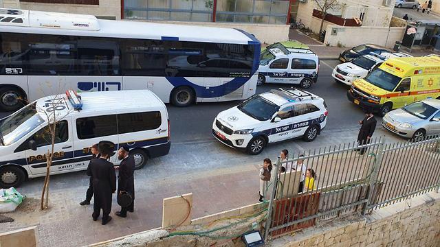 ילד בן 4 תאונה תאונת דרכים נדרס אוטובוס ביתר עילית ()