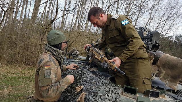 קצין ישראלי בנגמ