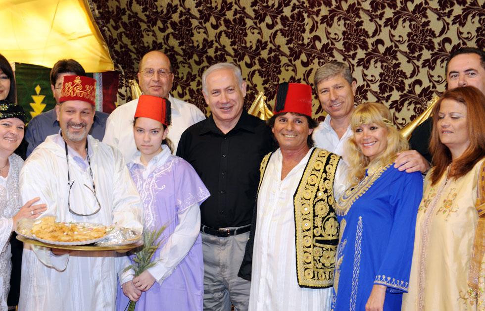 """2010: ראש הממשלה בנימין נתניהו חוגג בקריית אתא (צילום: חנניה הרמן, לע""""מ)"""