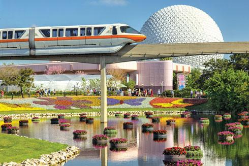 ממהרים למתקן הבא? קחו רכבת פנימית (צילום: Matt Stroshane, Disney)