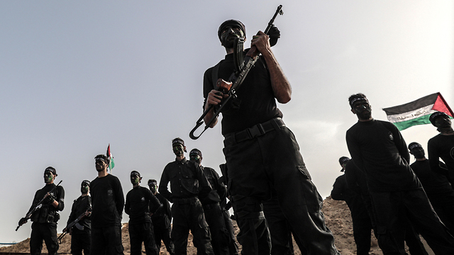 Archive: Hamas fighters drilling in Gaza (Photo: EPA)