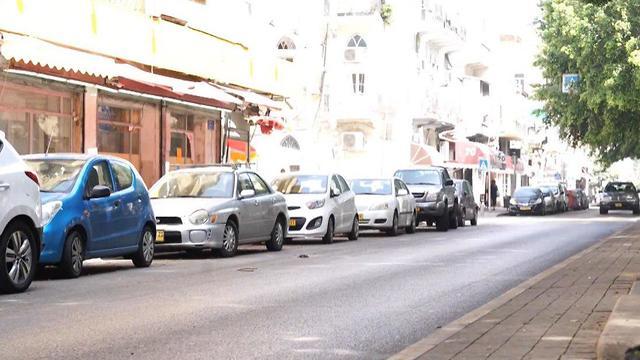 שדרות ירושלים ביפו עתיד להיסגר בעקבות עבודות הרכבת הקלה (צילום: שחר גולדשטיין)
