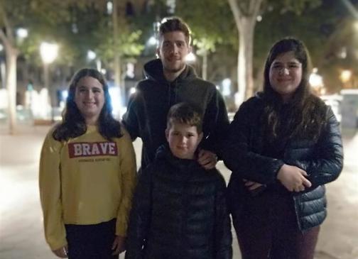 מפגש מרגש עם הכדורגלן הספרדי סרג'י רוברטו (צילום: אלבום פרטי)