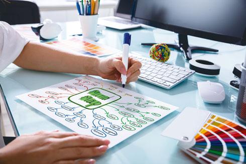 על כל ענף (ולא בקצהו) כתבו את המילים והרעיונות שעולים באופן אסוציאטיבי (צילום: Shutterstock)