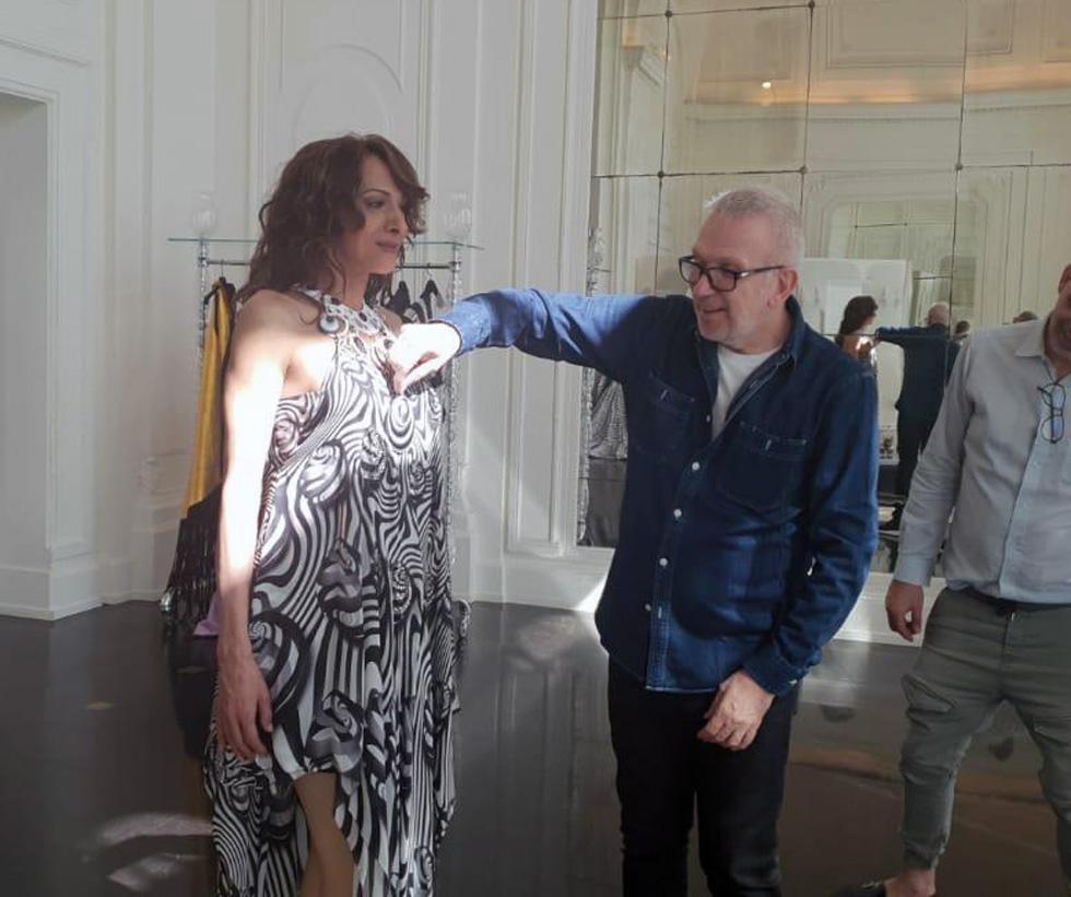 Дана Интернешнл с Жан-Полем Готье на примерке, апрель 2019 г. Фото: Офер Менахем