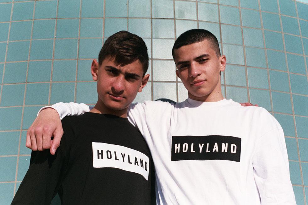 המתאגרפים הצעירים ואליד אבו טאה וחמזה לאוובני בני ה-15, ממועדון האגרוף כ.ז כוכבי נצרת (צילום: תום קנלר)