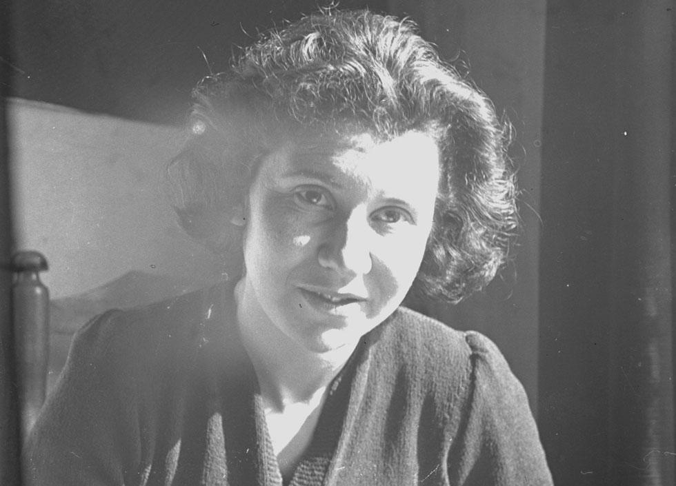 אתי הילסום. מבטאת במכתביה דעות רדיקליות לזמנה על מצב הנשים  (צילום:  המוזיאון היהודי ההיסטורי באמסטרדם)