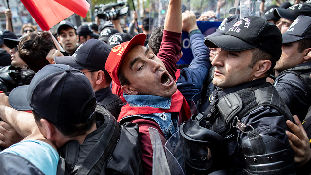 חג הפועלים 1 במאי טורקיה איסטנבול כיכר טקסים (צילום: EPA)