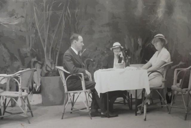"Кафе ""Лоренц"" в 1940-х годах. Репродукция: Леон Левитас"