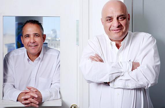 מימין שאול ודורי נאוי, מייסדי קבוצת נאוי (צילום: עמית שעל)