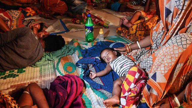 הודו סופה סופת ציקלון פאני מדינת אודישה מקלט (צילום: AFP)