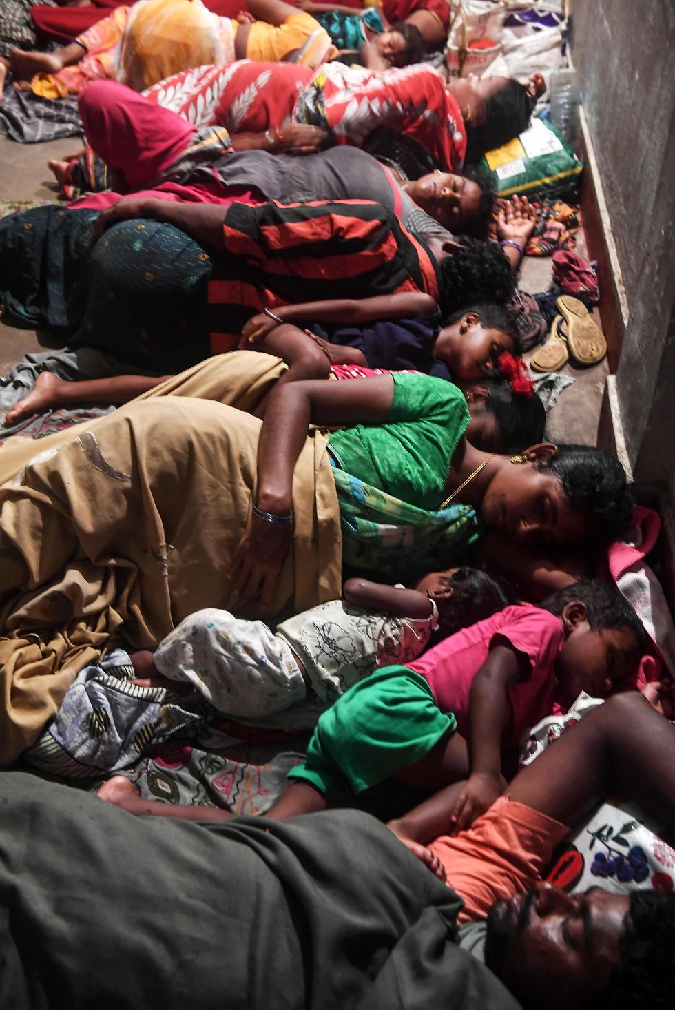 הודו סופה סופת ציקלון פאני מדינת אודישה מקלט (צילום: רויטרס)
