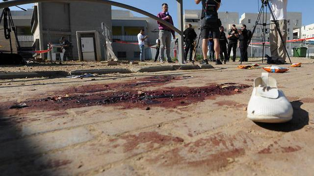 Rocker hits the city of Kiryat Gat, 80 year-old women seriously wounded (Photo: Avi Rokah)