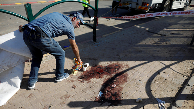 The site of the rocket strike in Kiryat Gat that wounded Alegria Ben-Naqan (Photo: Reuters)