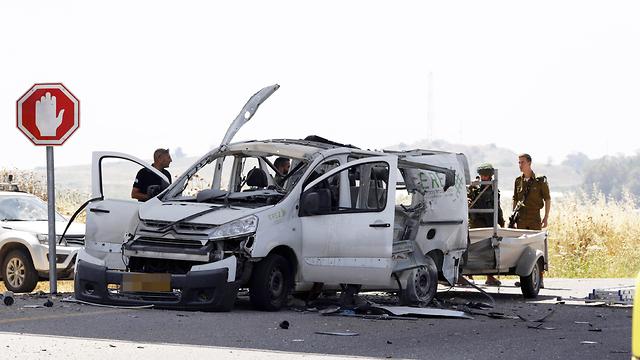 פגיעה רכב ליד יד מרדכי רקטה רקטות הסלמה דרום עזה (צילום: AFP)