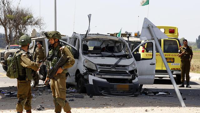 После ракетного обстрела юга Израиля. Фото: AFP